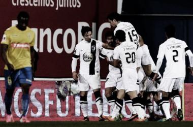 O Vitória de Guimarães bateu o Estoril e quebrou o jejum de vitórias. (Foto: Maisfutebol)