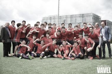 El FCB Cadete B celebrando la Liga. Foto: Noelia Déniz, VAVEL