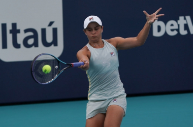 Defending champion Ashleigh Barty continued her title and top-ranking defences with a straight-set win over Jelena Ostapenko in the third round of the Miami Open. Photo: Icon Sportswire