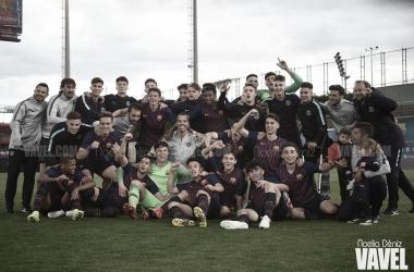 El FCB Juvenil B festejando el título ante el CF Mollet. Foto: Noelia Déniz, VAVEL