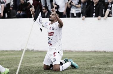Gil Paraíba comemora gol diante do Volta Redonda. (Foto: José Tramontin/OFEC)