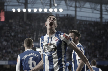 Carlos Fernández celebra su gol ante el Málaga // RCDeportivo
