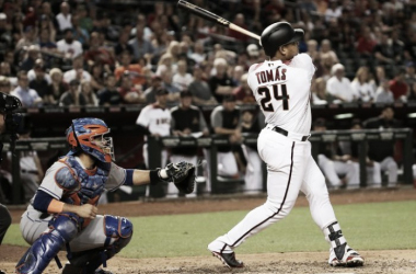 Diamondbacks Yasmany Tomas(24) hits a three-run home run against the Mets in the eighth inning to takethe lead at Chase Field in Phoenix, Ariz. on May 15, 2017.  Source: Patrick Breen/azcentral sports 