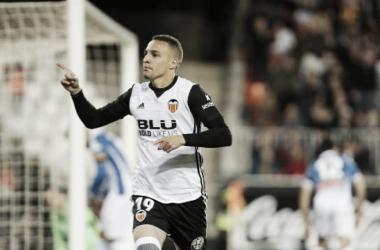 Valencia vence Espanyol, passa Real Madrid e alcança terceira posição
