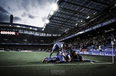 El Deportivo celebra el gol de Carlos Fernández // RCDeportivo