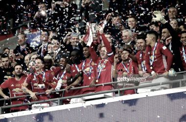 Manchester United vê o seu primeiro troféu da temporada.