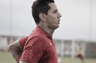 Com dúvida na zaga, CRB segue preparação para confronto diante do Figueirense
