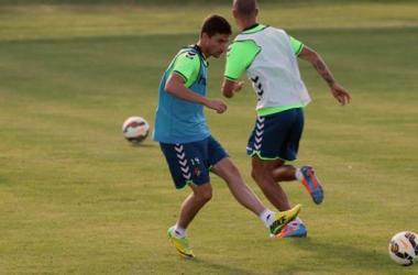 Omar Ramos, tocado. (Fotografía: Real Valladolid).