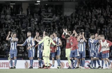 La plantilla celebra la victoria frente al Mallorca en el partido de ida // RCDeportivo