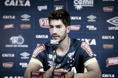 O jogador vem jogando bem nas oportunidades dadas por Mano Menezes (Foto: Washington Alves/ Light Press)