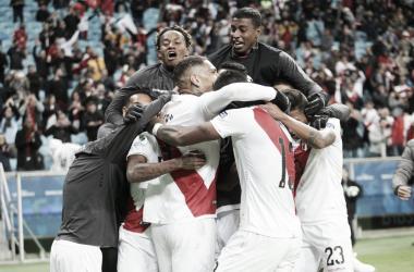 Perú celebrando la clasificación para la final de la Copa América | Fotografía: FPF