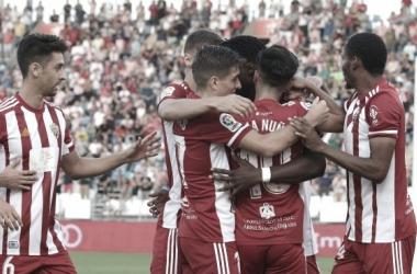 Los jugadores de la UD Almería celebrando el gol que les dió la victoria frente al Huesca la semana pasada. FUENTE: UD Almería