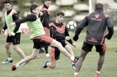 Jugadores del Rayo Vallecano durante un entrenamiento | Fotografía: Rayo Vallecano S.A.D.