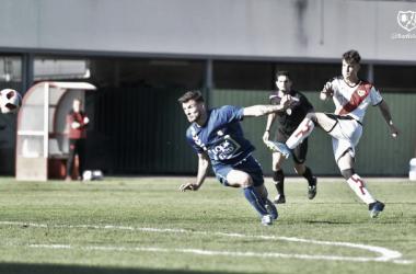 Igor Rojo disparando en la jugada de su gol | Fotografía: Rayo Vallecano S.A.D.