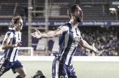 Pablo Marí celebrando su gol frente al Sporting // RCDeportivo