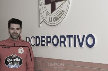 Vítor Silva posando con el escudo del Deportivo // RCDeportivo
