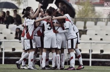 Jugadores del Rayo Femenino celebrando un gol | Fotografía: Rayo Vallecano S.A.D.