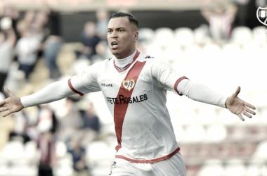 De Tomás celebrando un gol | Fotografía: Rayo Vallecano