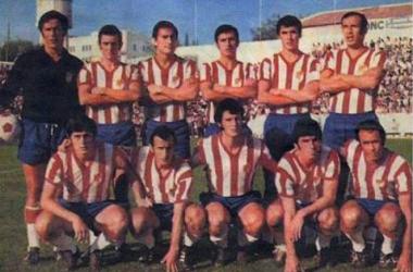 El Granada de los setenta en la previa de un encuentro. Foto: Granada CF.