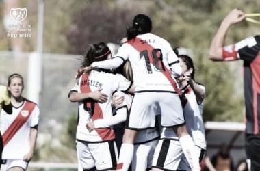 Jugadoras del Rayo Femenino celebrando un gol | Fotografía Rayo Vallecano S.A.D