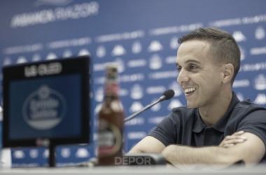 Borja Jiménez atiende a los medios de comunicación en Riazor // RCDeportivo