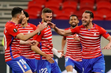 Soldado celebra con Puertas, Duarte y Yangel un gol en Europa League | Foto: Pepe Villoslada / GCF