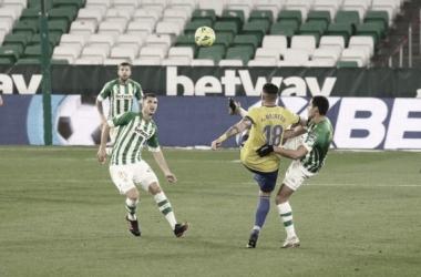 Último encuentro liguero disputado en el Villamarín // Cádiz CF