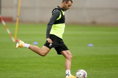 Víctor Díaz en un entrenamiento | Foto: Pepe Villoslada / Granada CF
