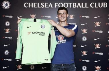 Kepa Arrizabalaga é anunciado pelo Chelsea e se torna o goleiro mais caro da história