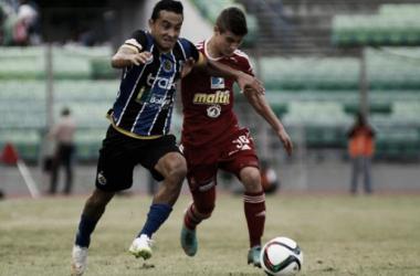 Caracas FC y Mineros De Guayana, un nuevo episodio de buen fútbol. Fotografía: Diario Meridiano.