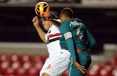 São Paulo deixa escapar vitória e sofre primeiro revés na competição