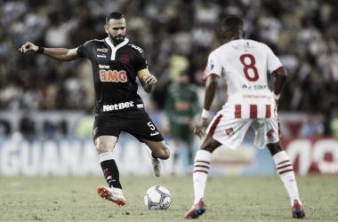 Castan tem lesão na coxa confirmada e vira dúvida para semifinal do Campeonato Carioca