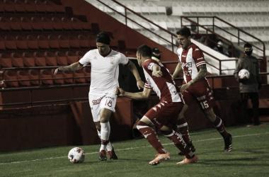 Huracán y Unión empataron sin goles en Parque de los Patricios