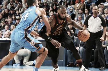 Resumen NBA: los Cavs se divierten en Oklahoma y Toronto sufre, pero continúa ganando