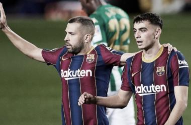 Pedri y Jordi Alba vs Betis 2021| Foto: FC Barcelona