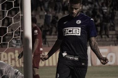 São Bento vence Vila Nova e fica próximo de deixar Z-4 da Série B