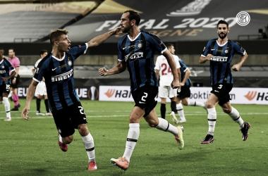 Cagliari acerta contratação de Diego Godín, ex-Internazionale