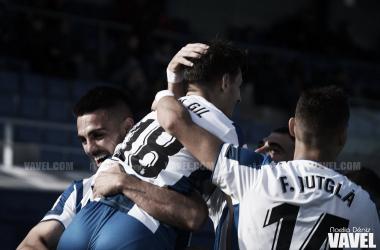 Los jugadores del Espanyol B celebrando un gol. FOTO: Noelia Déniz
