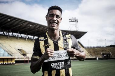 """Em busca da classificação na Copa do Brasil, Alef Manga traça planos para Volta Redonda: """"Um passo por vez"""""""