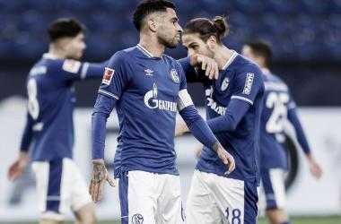 Jogadores afastados, diretoria rachada e lanterna: o drama do Schalke 04 na Bundesliga