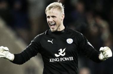 Kasper Schmeichel rewarded with Player of the Month nomination