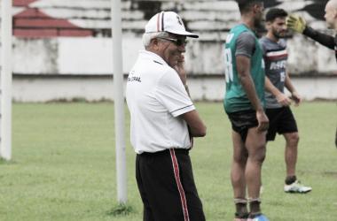 Givanildo realiza mudanças no time visando buscar vitória fora de casa contra o Paraná(Foto: Divulgação / Santa Cruz Futebol Clube)