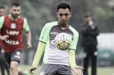 Atlético-MG anuncia empréstimo do meia Dodô ao Fortaleza por uma temporada