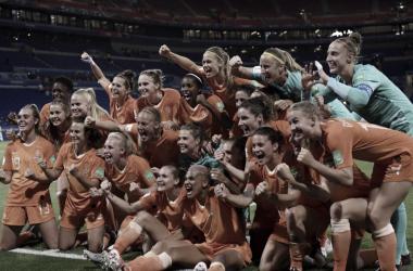 Holanda bate Suécia na prorrogação e encara Estados Unidos em final da Copa do Mundo