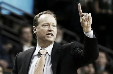 Mike Budenholzer, entrenador de los Hawks y uno de los interesados en romper el mercado. Foto: NBA.com