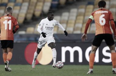 El Shakhtar Donetsk noquea a un Real Madrid paupérrimo (2-0)