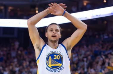 Stephen Curry celebrates in third quarter as Warriors were routing the Wizards -- Kyle Terada/USA TODAY Sports