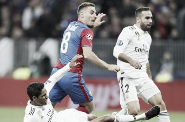 Carvajal y Varane en el gol del CSKA en el último partido de Champions | foto: LFP