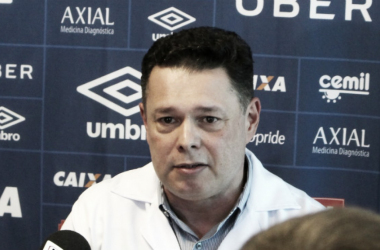 A cirurgia do centroavante celeste deve ocorrer ainda nesta semana (Foto: Divulgação/Cruzeiro)
