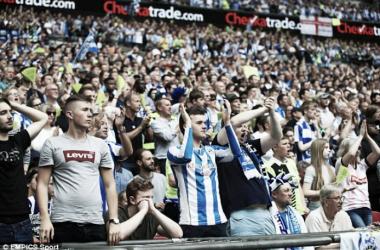 Los seguidores del Huddersfield Town en Wembley. Foto: EMPICS Sport